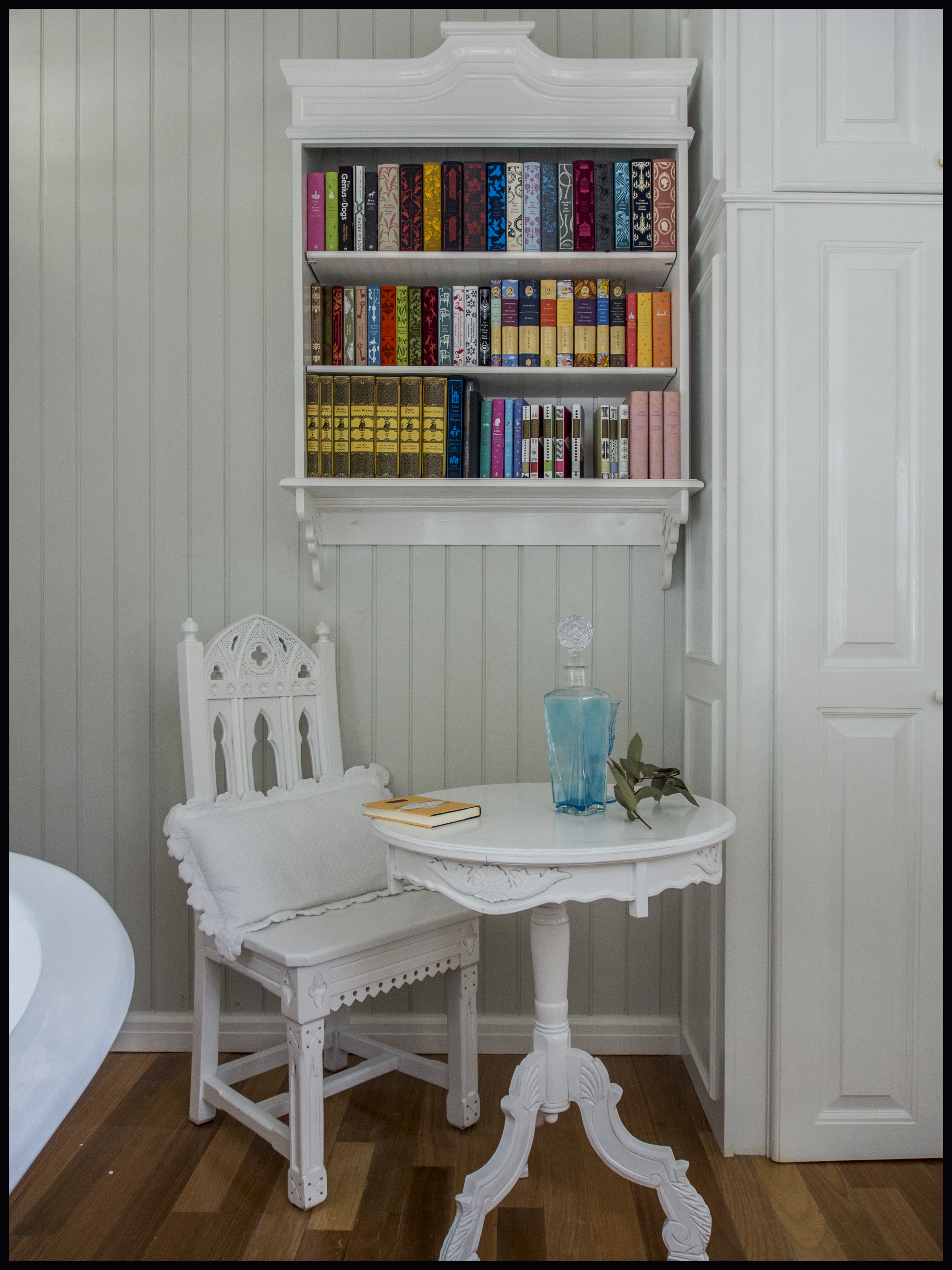 a little library at Blue Hole Gardens Cottage